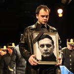 Victor Ioan Frunză felkavaró Hamlet előadását is láthatják - A nemzetközi program